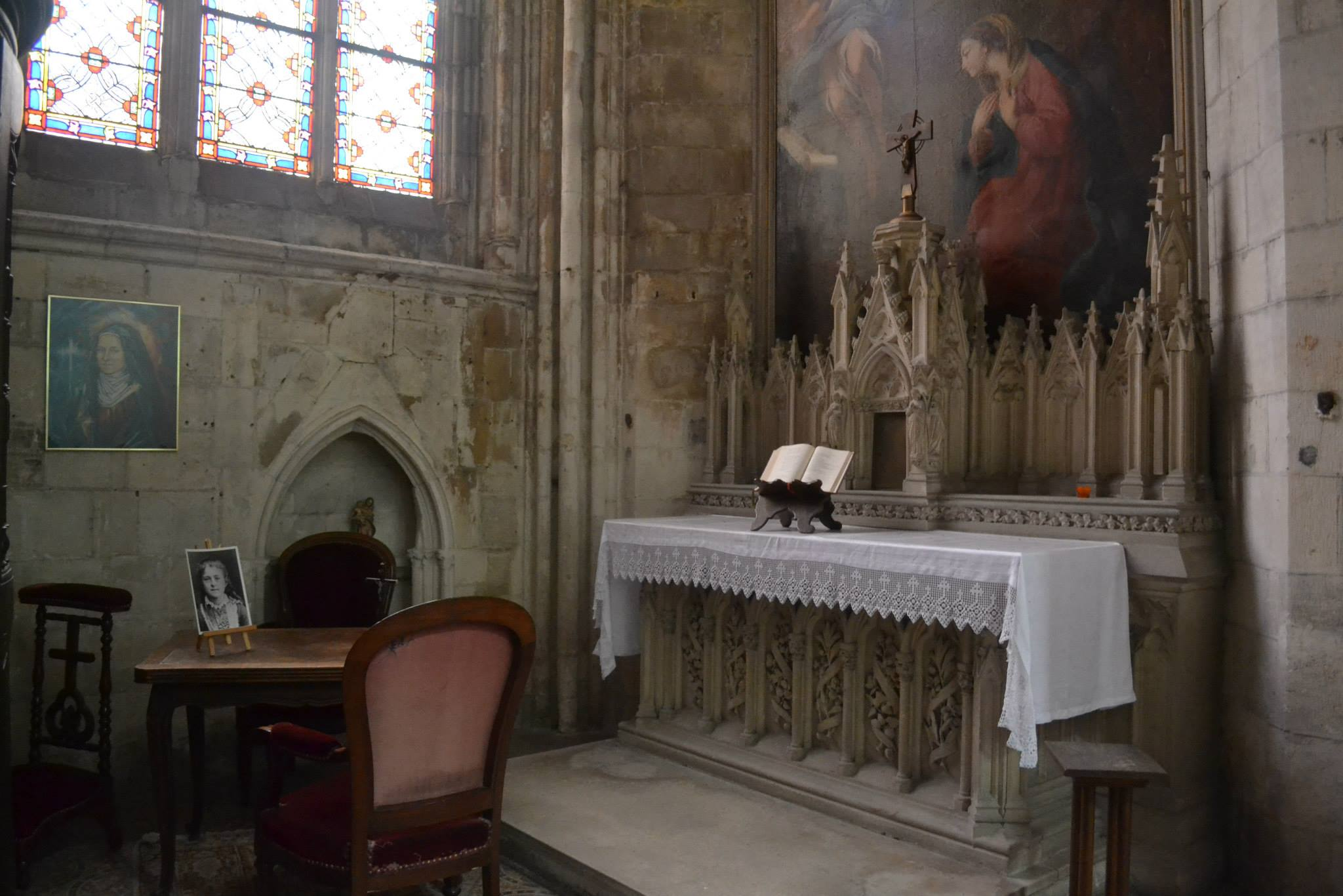 The chapel inside the cathedral, in which Thérèse made her first confession (Photo: WYM)