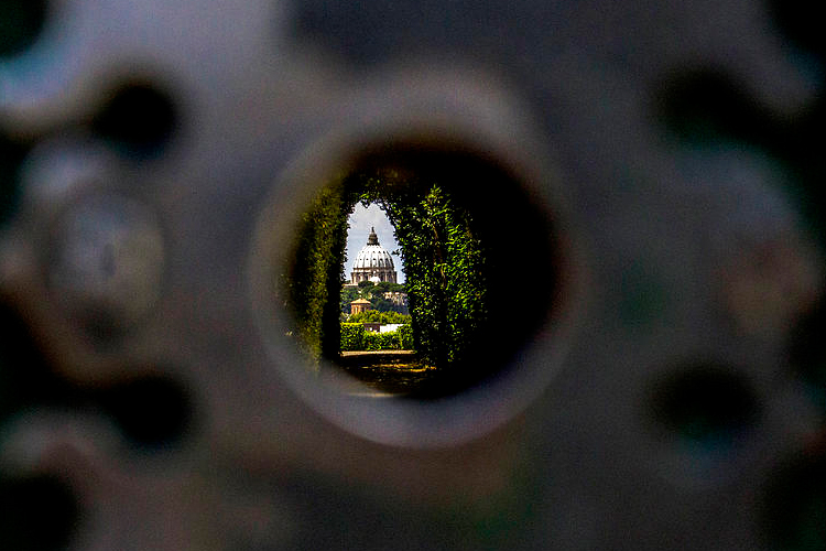 The Vatican through a keyhole