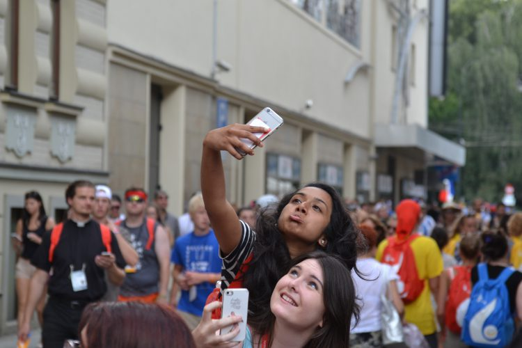 Taking a selfie (Photo: WYM)