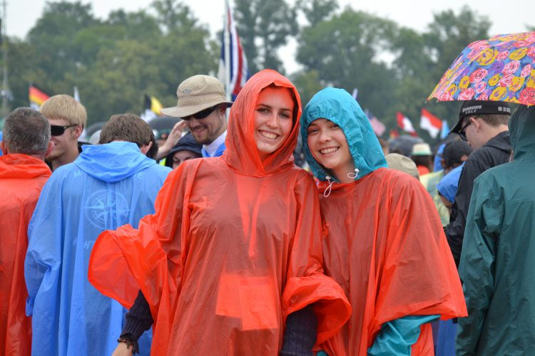 Westminster pilgrims ready for the rain with their WYD-branded ponchos (Photo: WYM)