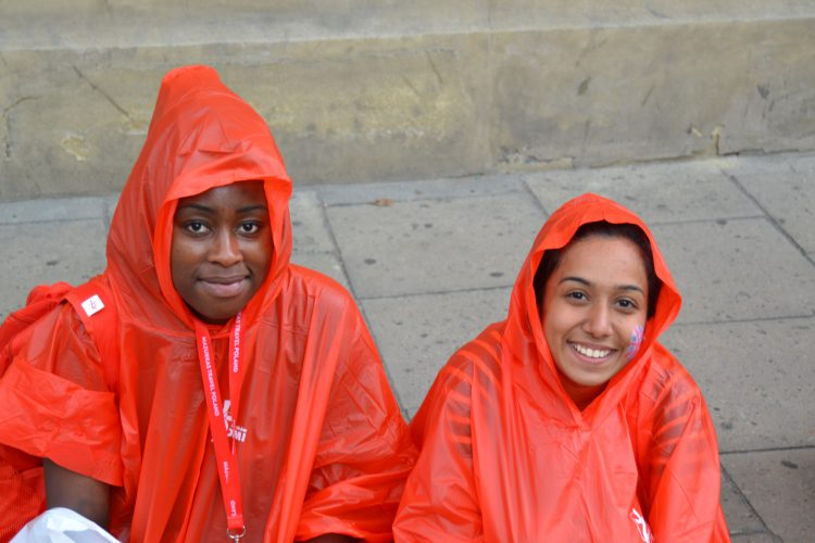 Westminster pilgrims wrapped themselves up in their WYD-themed ponchos (Photo: WYM)