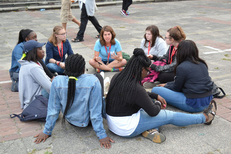 A Westminster group leader talks to her pilgrims (Photo: WYM)