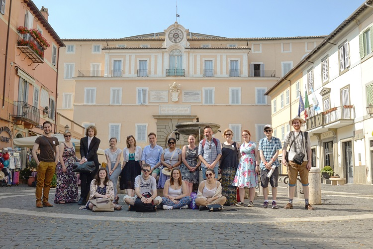 The Westminster pilgrimage group together in front of the Pontifical Palace in Castel Gandolfo (Photo: WYM)