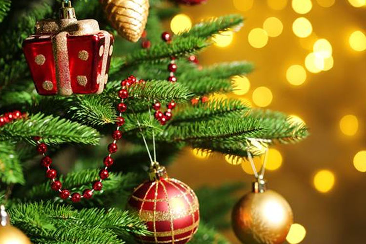 Decorate a parish Christmas Tree