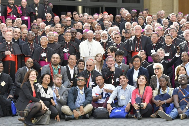 Young people and clergy at the Vatican at the end of the Youth Synod (Photo: Vatican Media)